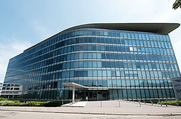 grosses-buero-rent-office-stuttgart-mieten-agendis-buelowbogen-business-center.jpg